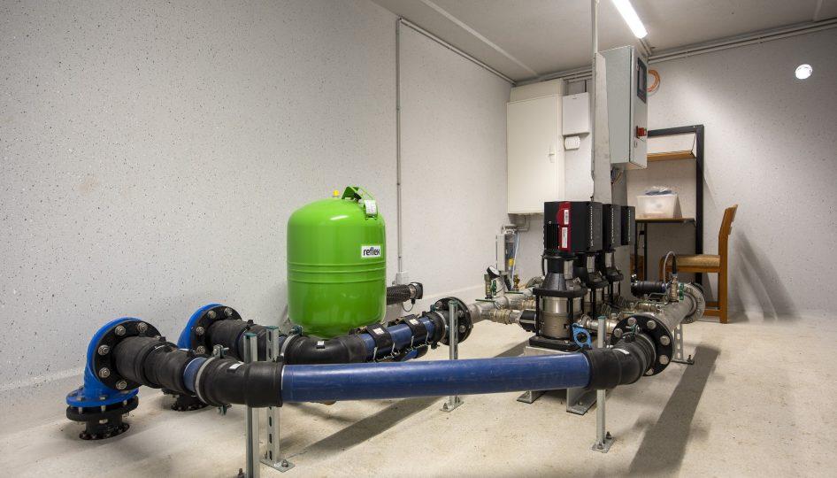 Wasserpumpen-Anlage in Fertiggarage