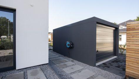 Großraumkomfortgarage in moderner Wohnbebauung, Vorderansicht